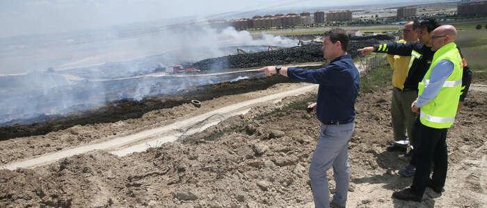 Imagen: El Gobierno de Madrid seguirá la misma estrategia de Castilla-La Mancha para acelerar la combustión en su zona del incendio