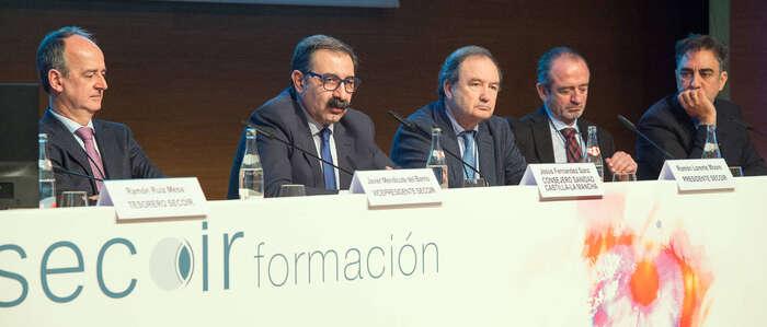 El Gobierno regional apuesta por generar y retener el talento de los médicos residentes en Castilla-La Mancha