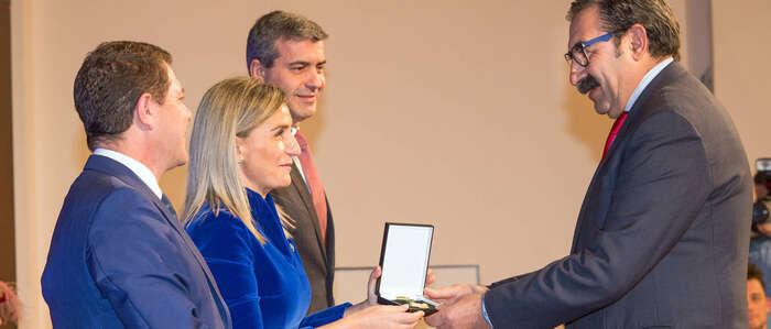 Toledo reconoce al Hospital Nacional de Parapléjicos con la Medalla de Oro de la Ciudad