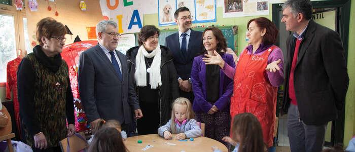 El Gobierno regional ultima con los sindicatos un nuevo Pacto de Interinos y otro para la mejora de las condiciones laborales de los docentes