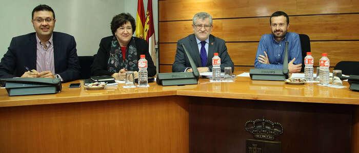El Gobierno de Castilla-La Mancha creará un servicio de formación del profesorado en cada una de las provincias