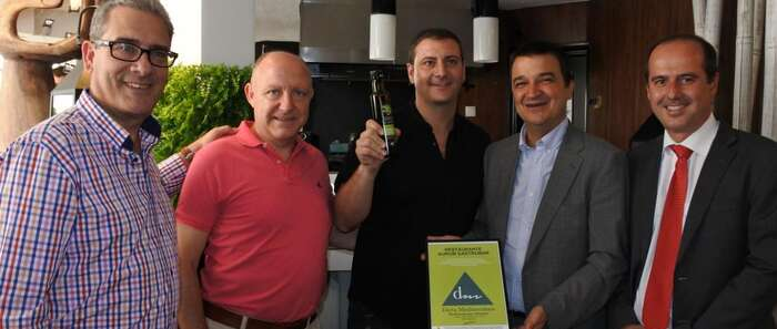 El consejero de Agricultura certifica el primer restaurante en Guadalajara que garantiza la Dieta Mediterránea