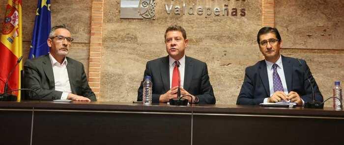 """García-Page exige una rectificación """"urgente y pública"""" al Partido Popular por la firma del memorándum y su gestión del agua en la región"""