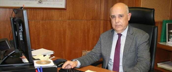 El Gobierno regional logra aplazar la supresión de servicios anunciados por Monbus hasta que el Ministerio encuentre una solución estable