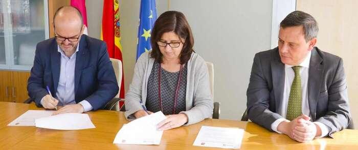 La colaboración entre el Gobierno regional y el Ayuntamiento de Pozo Cañada permitirá duplicar la superficie del Consultorio Local