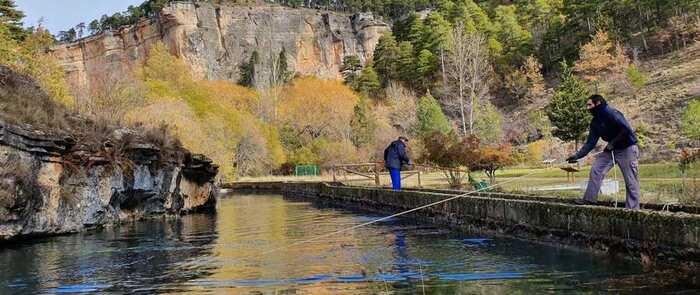 El Gobierno de Castilla-La Mancha celebra el Día de la Acuicultura con una jornada de puertas abiertas en la Piscifactoría regional y el Centro de Interpretación de Uña (Cuenca)
