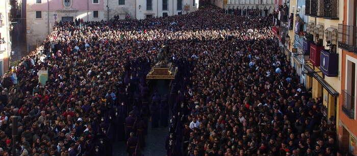 Imagen: Mariscal destaca la normalidad y 'buena acogida' por parte del público de la procesión Camino del Calvario