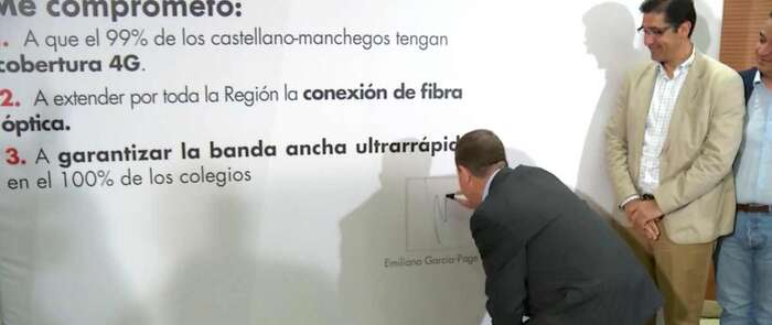García-Page se compromete a extender la cobertura 4-G y la fibra óptica por toda la región
