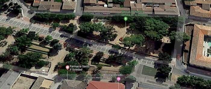 Un joven de 14 años cae en un agujero de 5 metros tras hundirse el suelo por el que caminaba en La Puebla de Montalbán