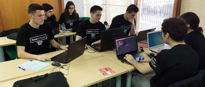 La UCLM reúne a 30 'hackers' dispuestos a desarrollar aplicaciones al servicio de la sociedad