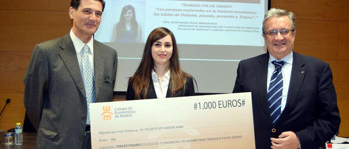La egresada de la UCLM Pilar María Felipe, galardonada con el tercer premio de Trabajos Fin de Grado del Colegio de Economistas de Madrid