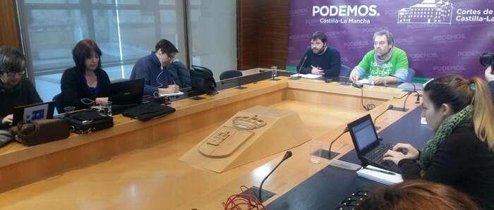 """Miguel Ángel Santos, uno de """"Los cinco del Buero"""" protagoniza la primera rueda ciudadana organizada por Podemos Castilla-La Mancha en 2017"""