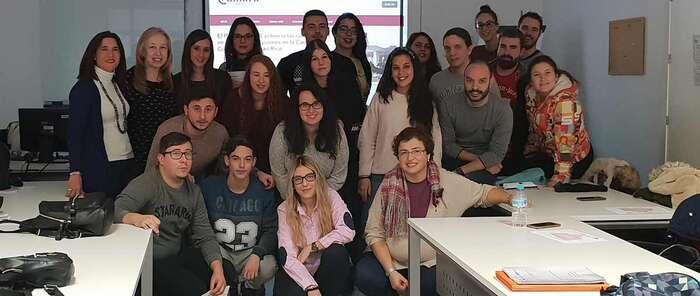 Medio centenar de jóvenes mejoran sus capacidades profesionales con el programa PICE de la Cámara en Tomelloso y Alcázar