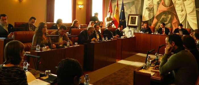 Lucas-Torres califica a la Junta como parásito de la Diputación en sus actuaciones en diferentes ferias