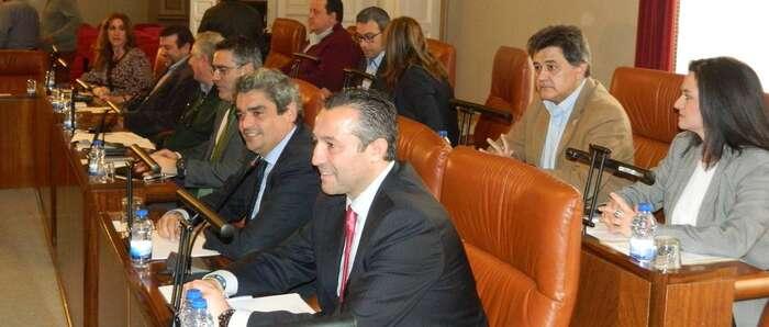 El Grupo Popular denuncia la inexistencia del convenio con la UNED y las preguntas centraron el pleno de la Diputación de Ciudad Real