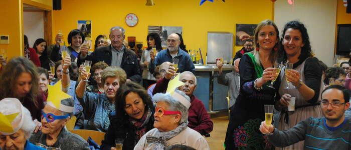 Pre-campanadas en el Centro de Mayores del Lucero para recibir juntos al 2017