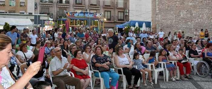 El Barrio de Santiago conmemora a su patrón con música y limoná