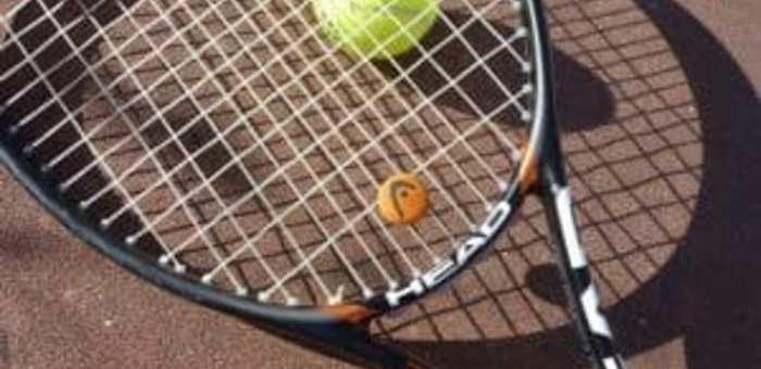 Elige una buena raqueta y empieza el año jugando al tenis