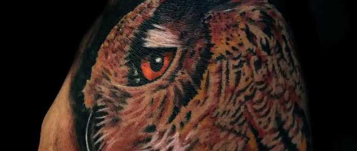 ¿Tatuajes en color o en negro?