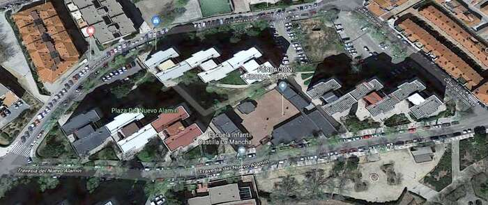 Una mujer embarazada y un niño trasladados al hospital tras un incendio en su vivienda en Guadalajara