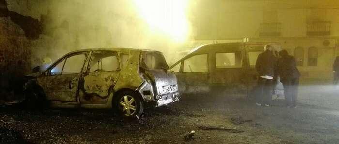 La incidencia más destacada de las navidades en Manzanares ha sido el incendio de dos vehículos