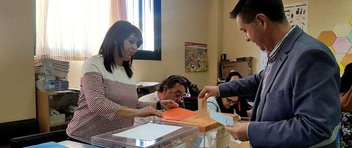 Cabañero confía en un alto nivel de participación del electorado este 26M