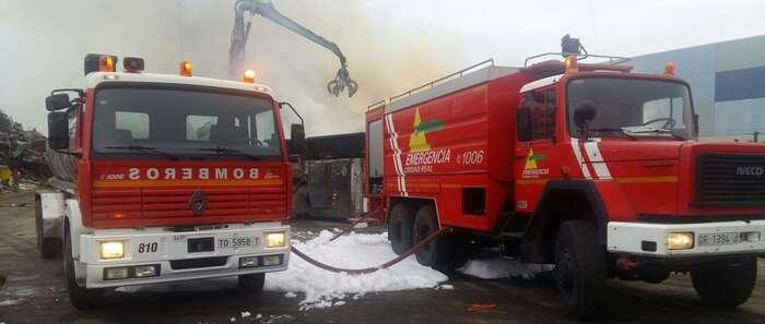 Se produce un incendio en el Poligono Industrial de Torralba (Ciudad Real)