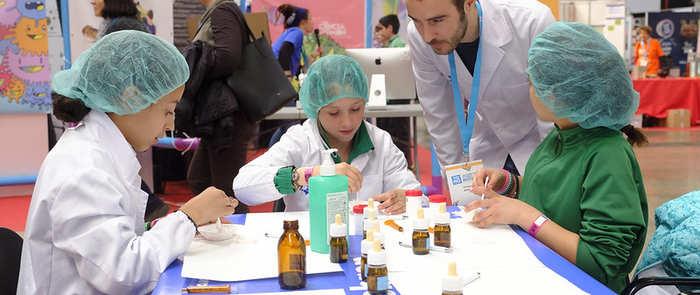 El 82% de los jóvenes españoles entre 8 y 16 años considera que los estudios STEAM interesan por igual a chicos y chicas