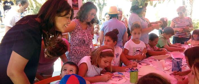"""Pilar Zamora: """"La actividad con los niños  siempre es muy enriquecedora; es una feria para ellos"""