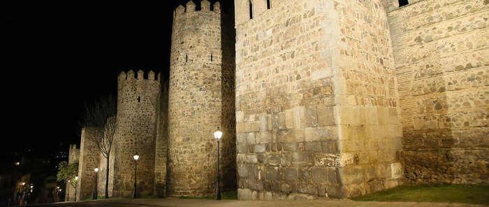 Inaugurada en Toledo la nueva iluminación monumental del tramo de muralla comprendido entre la Puerta de Bisagra y la Puerta Nueva