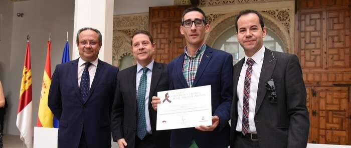 Artículo de opinión del presidente de Castilla-La Mancha con motivo de la celebración del Día Internacional para la Administración Pública