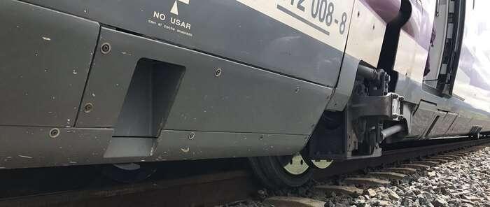 La salida de una de las ruedas de un vagón, a la altura de Brazatortas,  provoca retrasos en el AVE Sevilla-Málaga-Barcelona