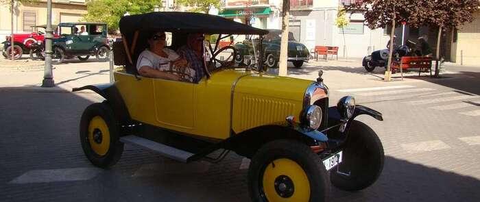 Clásicos a motor recorren Quintanar y su comarca durante este fin de semana