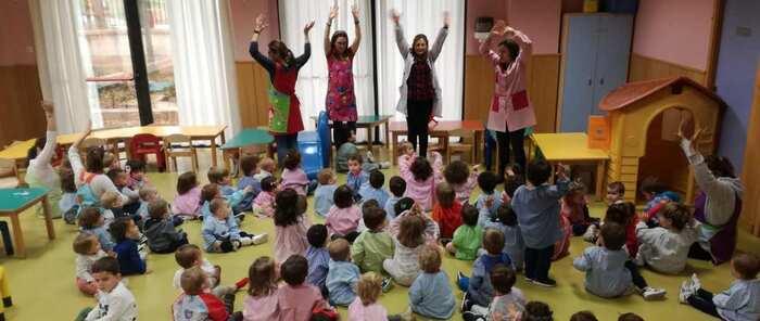 La Escuela Municipal Infantil de Cachiporro alza las manos por los derechos de los niños