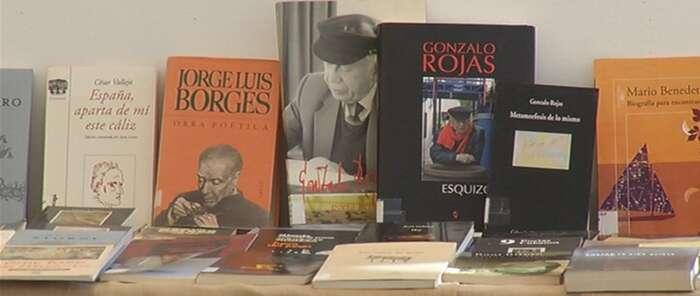 El Patronato de Cultura de Alcázar muestra sus fondos de poesía en una exposición
