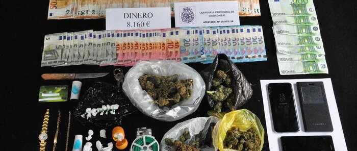 La Policía Nacional desactiva en Ciudad Real dos puntos de venta de droga que distribuían cocaína y marihuana a menores de edad