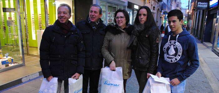 Los ganadores de 'Valdepeñas te regala Navidad' ya gastan sus 3.000 euros en compras