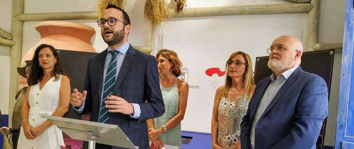 La Diputación de Albacete acompaña a Molinicos en su puesta de largo en la Gran Vía de Madrid