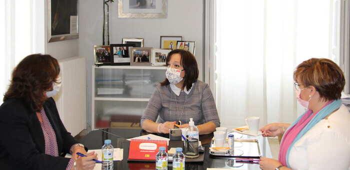 Rosa Melchor se reúne con la consejera Patricia Franco para retomar los proyectos previstos en Alcázar de San Juan
