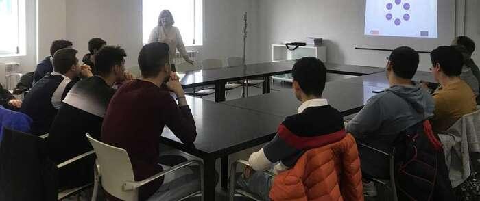 El ayuntamiento de Alcázar de San Juan fomenta el talento emprendedor dentro de la estrategia de ciudad, financiada por FEDER