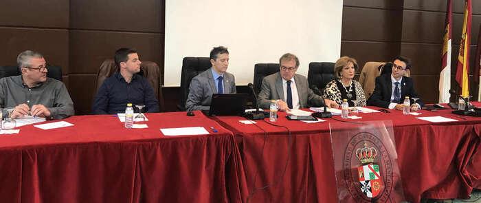 El rector de la UCLM expone ante el Claustro un balance de sus actuaciones