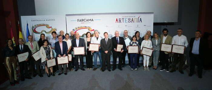 """García-Page: """"Recuperar los reconocimientos a los maestros artesanos de nuestra tierra es un acto de gratitud e inteligencia"""""""