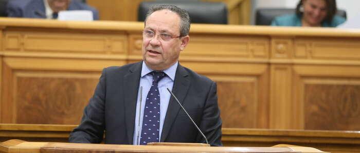 El Gobierno regional impulsa dos avances al mes para dignificar a los empleados públicos y recuperar la calidad de los servicios esenciales
