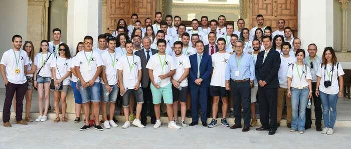 García-Page recibe a más de 50 agricultores de toda la región participantes en el I Campus de Jóvenes Cooperativistas