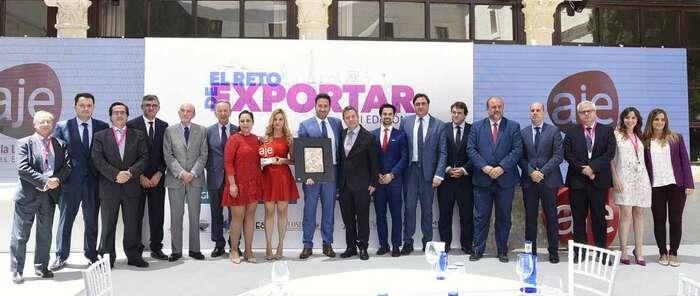 """García-Page valora el buen dato de creación de empresas y nuevos autónomos en la región como """"el mejor síntoma de la recuperación económica"""""""
