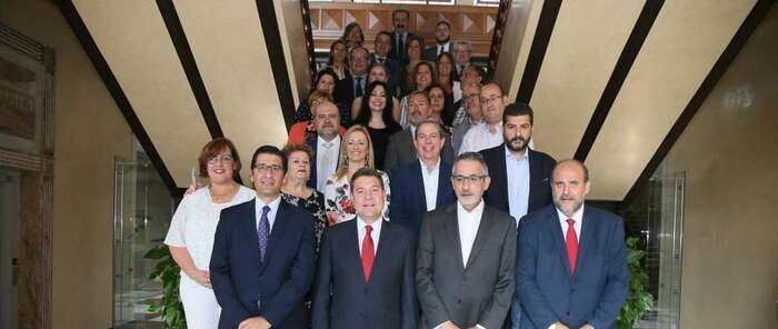 Castilla-La Mancha abordará una nueva Ley de la Viña y el Vino para regular e impulsar el sector con la premisa del consenso