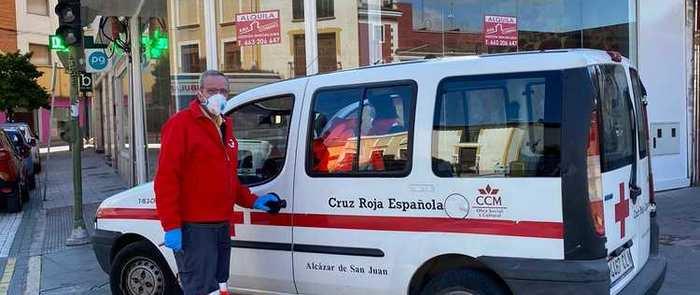 El ayuntamiento de Alcázar reparte a domicilio las medicinas de la farmacia hospitalaria para enfermos crónicos