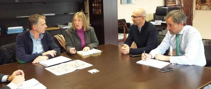 La directora general de ACUAES se reúne con el alcalde de Madridejos (Toledo) para impulsar la ampliación de la depuradora