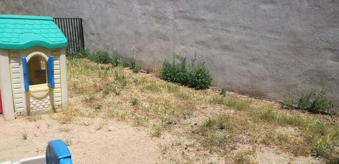 Los niños y las niñas de la Escuela Infantil 'La Campiña' de Azuqueca de Henares permanecen confinados en los recreos porque es imposible salir al patio