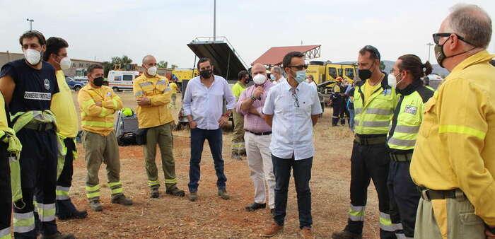 El Gobierno de Castilla-La Mancha realiza unas quemas prescritas como herramienta de gestión preventiva de incendios forestales en los alrededores de Puertollano